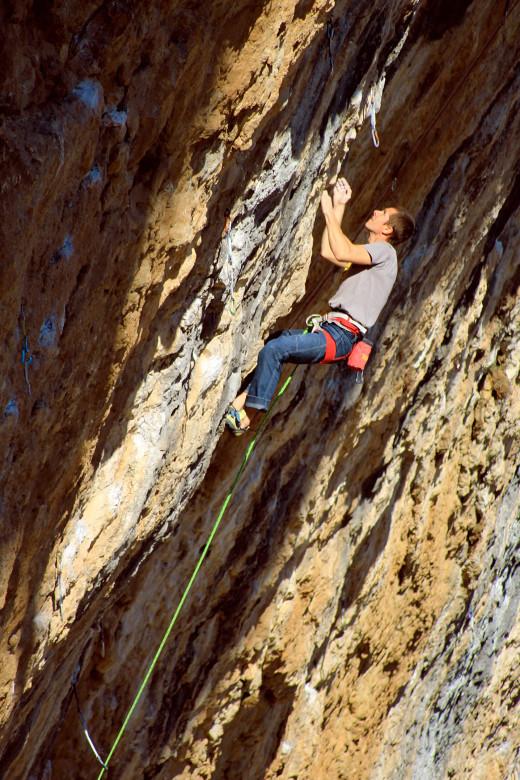Mateusz Haladaj na Papichulo 9a+ (fot. Manabu Yoneyama)