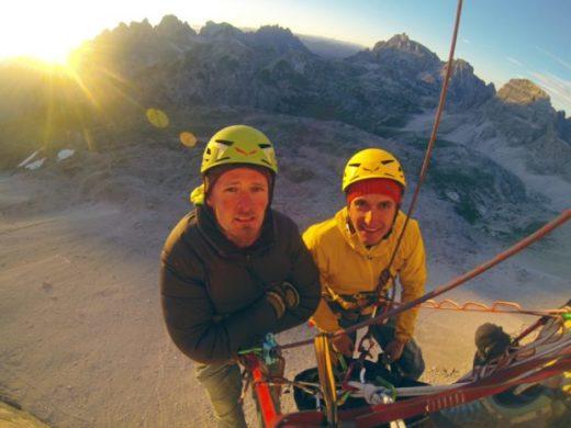 """Jacek Matuszek (z lewej) i Łukasz Dudek na """"Drodze Hiszpańskiej"""" (fot. Alpine Wall Tour)"""