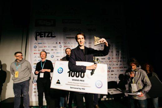 """Magic Mountain"" - Grand Prix 14. KFG, director Anca Damian. Tomasz Ducki - responsible for animation is recieving the Award (fot. Adam Kokot / KFG)"